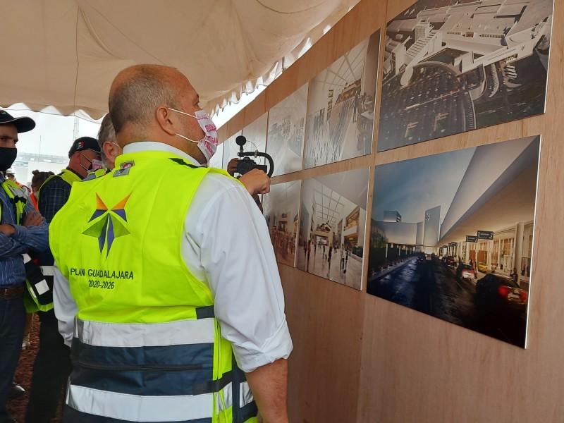 Visita el gobernador obras del Aeropuerto de GDL