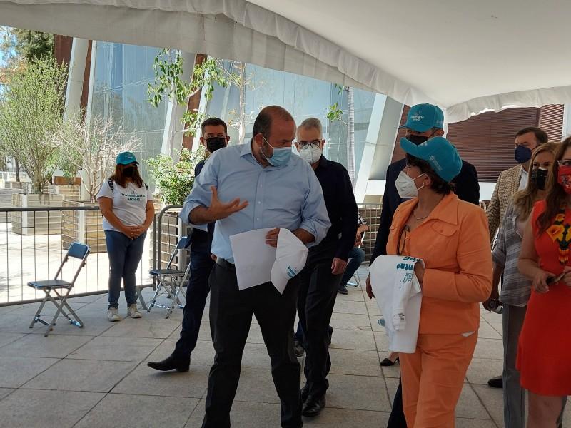 Visita titular de la SEP macrocentros de vacunación en Jalisco