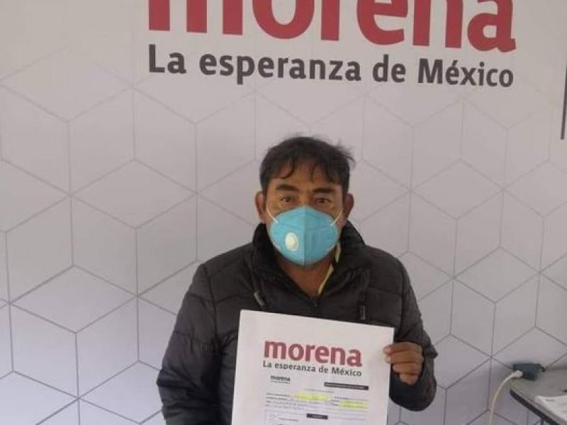 Vocero de caso Ayotzinapa se registra como precandidato a diputado