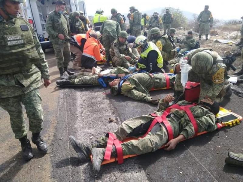 Volcadura de camión con militares deja lesionados en Palmar