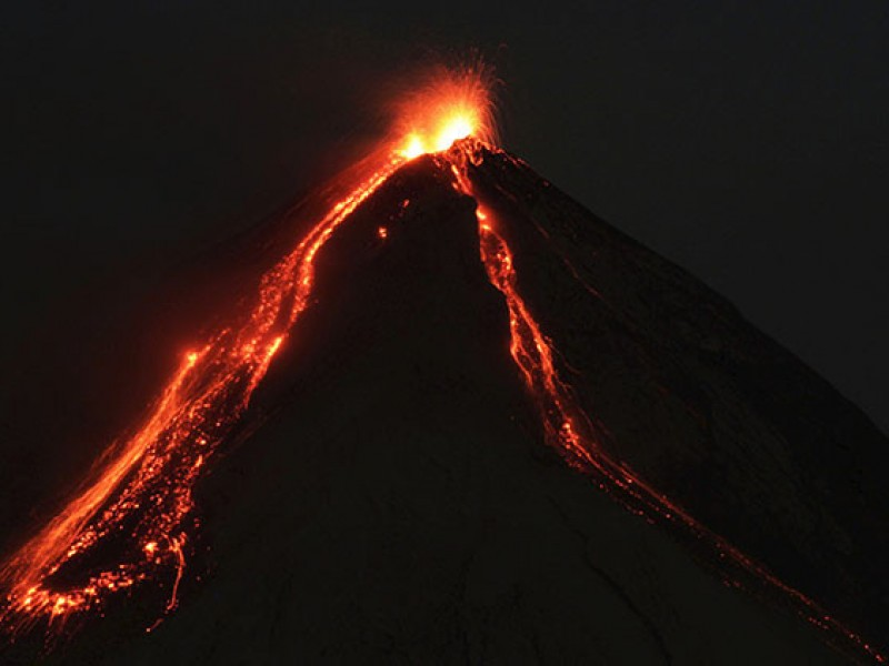 Volcán de Fuego de Guatemala entra en actividad
