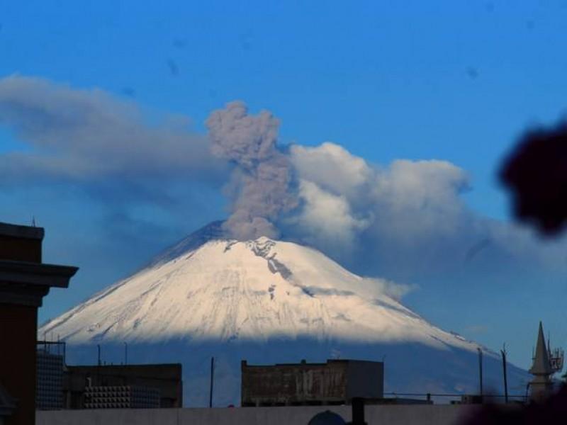 Volcán Popocatépetl registra 67 exhalaciones