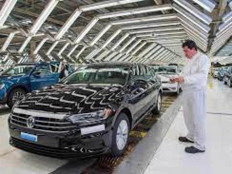 Volkswagen vuelve a paro técnico por falta de insumos