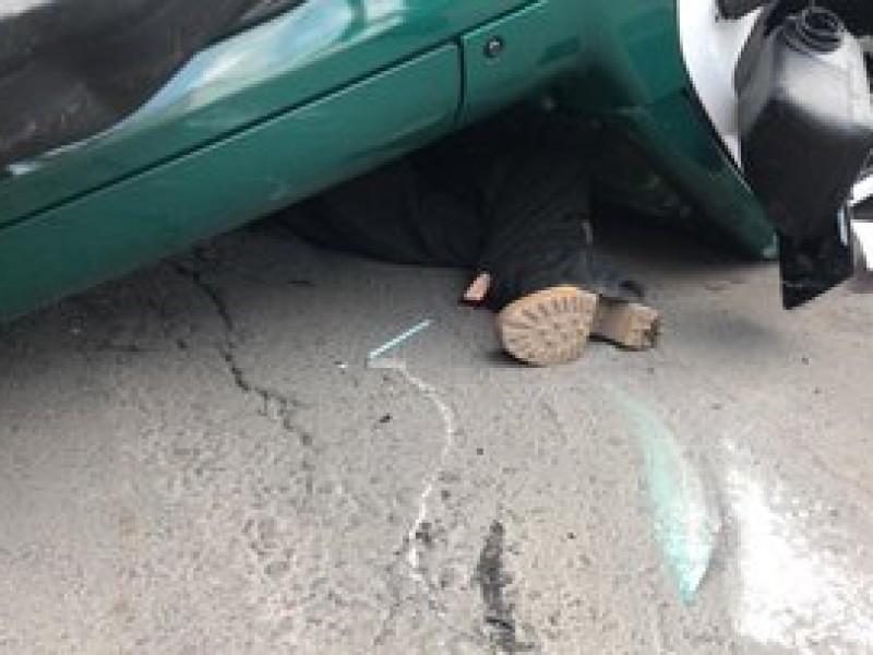 Vuelca patrulla; muere mujer de la tercera edad