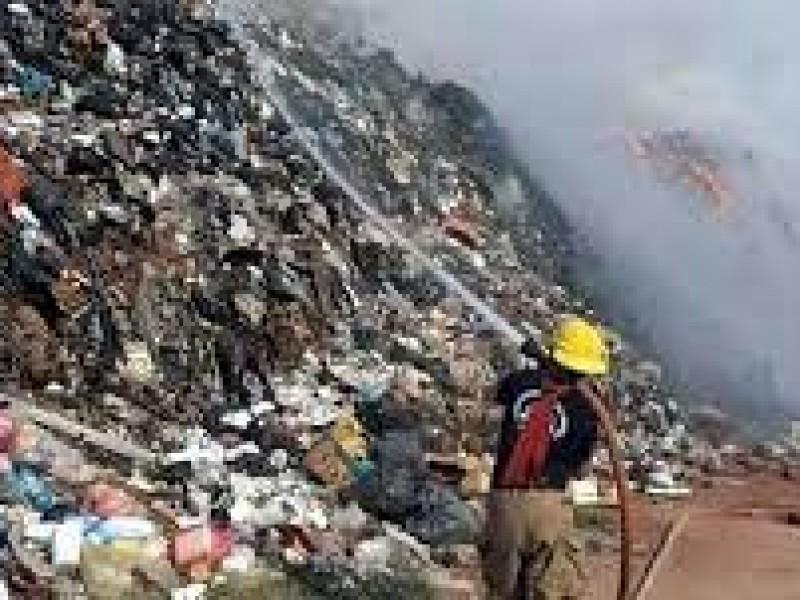 Vuelve a incendiarse basurero de Guayabitos