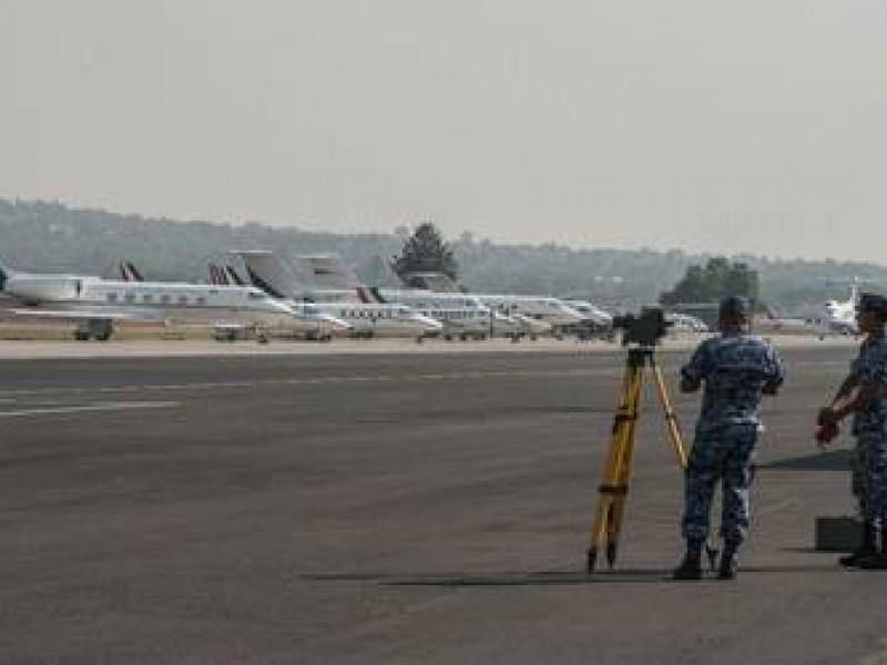 Vuelven a suspender el aeropuerto de Santa Lucía
