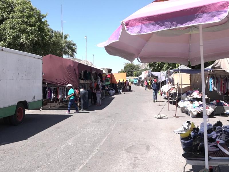 Vuelven tianguis a Torreón en medio de pandemia por Covid-19