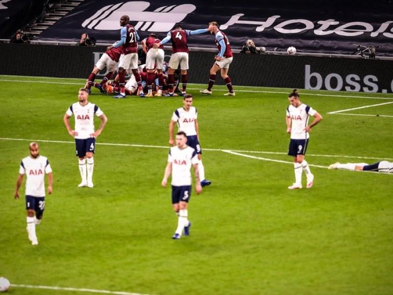 West Ham empató de último minuto al Tottenham