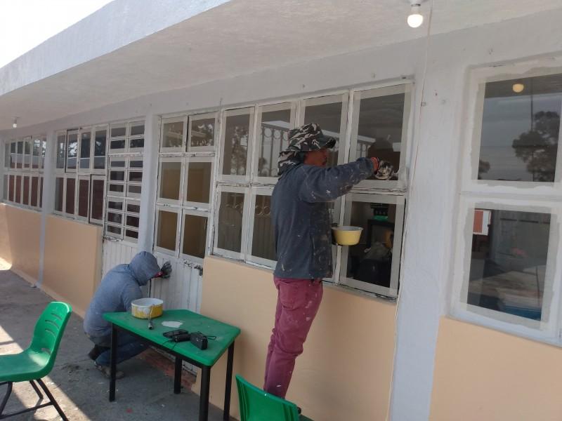 Ya comienzan remodelaciones para recibir alumnos en escuelas mexiquenses