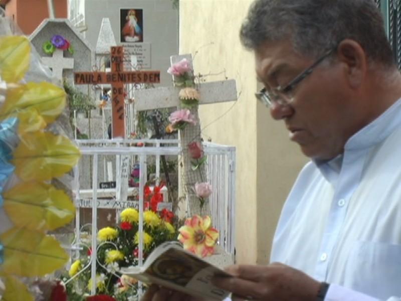 Zacatecas recuerda a sus muertos con devoción