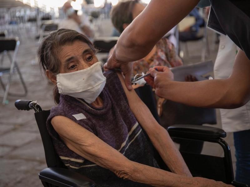 Zacatecas supera los 25 mil adultos mayores vacunados