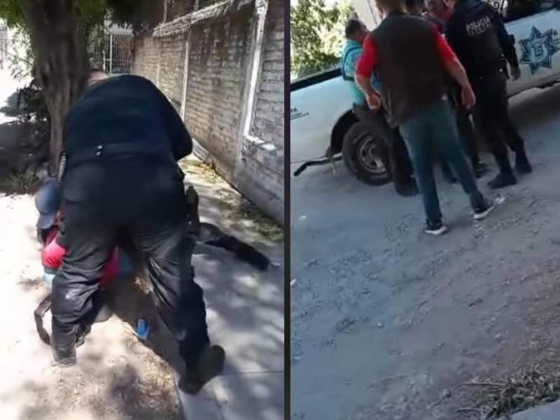 Zafarrancho entre policías y ciudadanos en colonia Valle de Matatipac