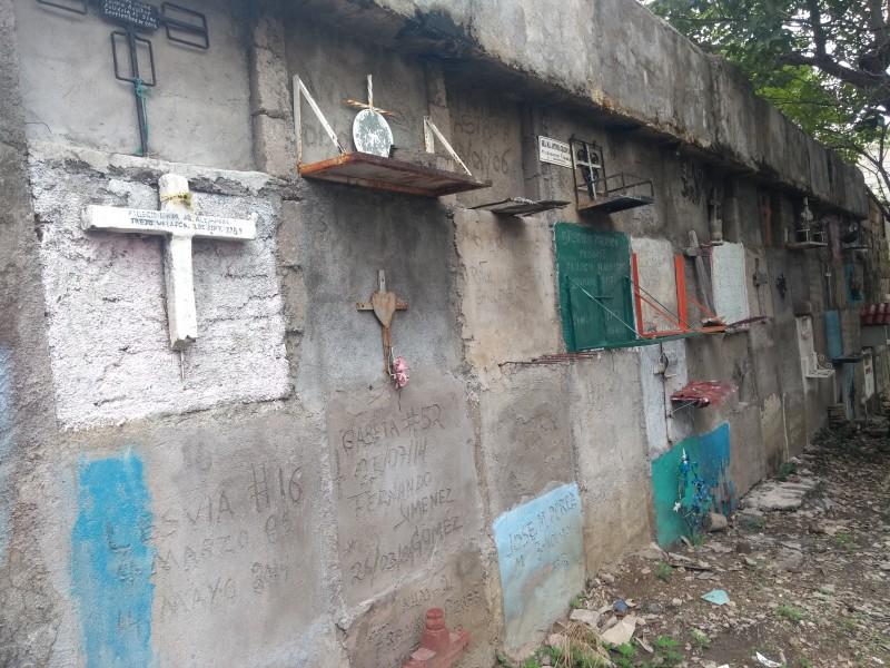 Zapatistas los olvidados en panteón San Marcos