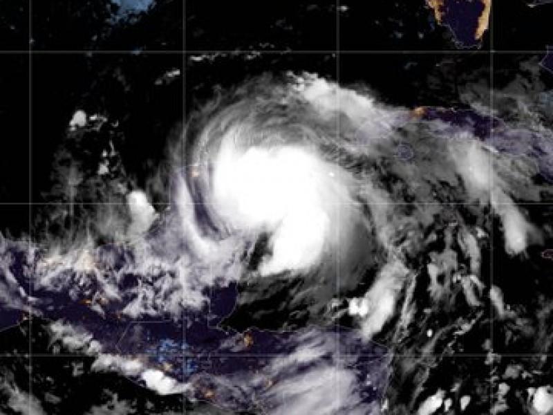 Zeta deja lluvias menores en el sur de Veracruz